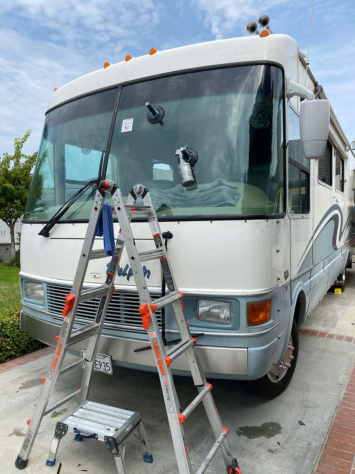 1996 national rv dolphin windshield replacement