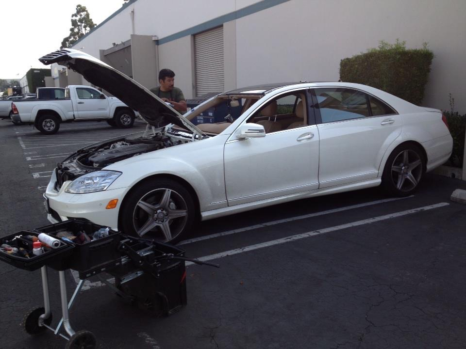 Replacing Mercedes Windshield