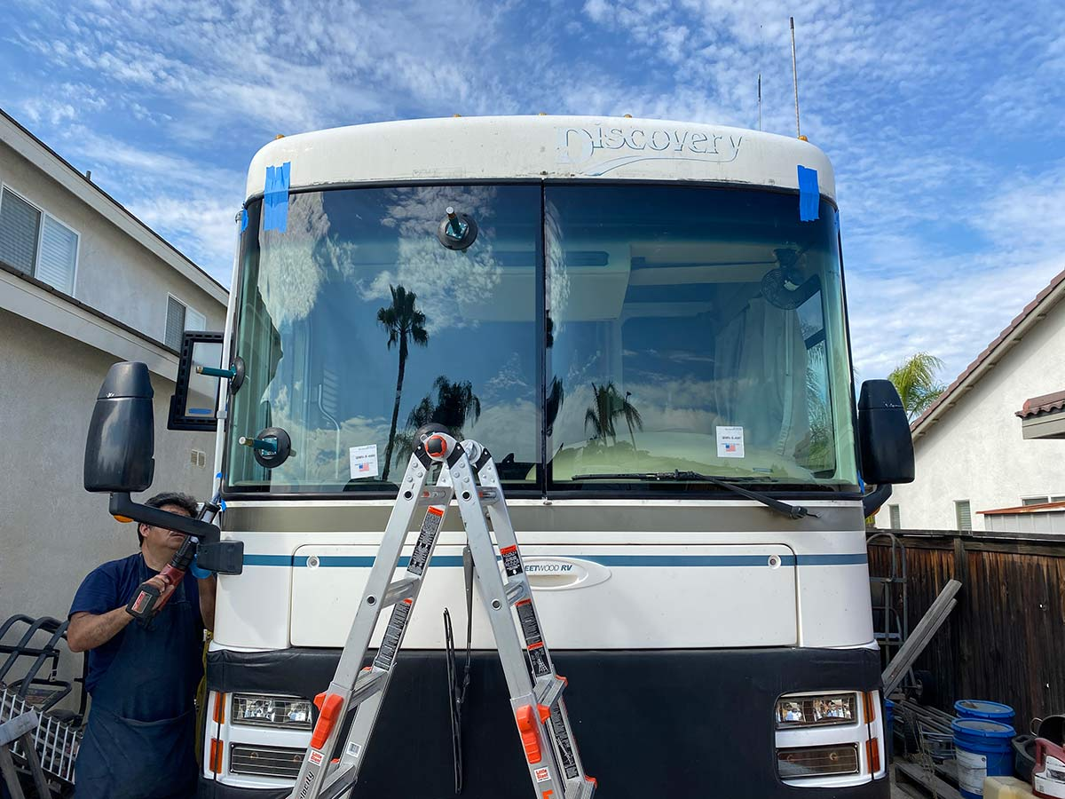 Fleetwood Discovery RV windshield replacement after