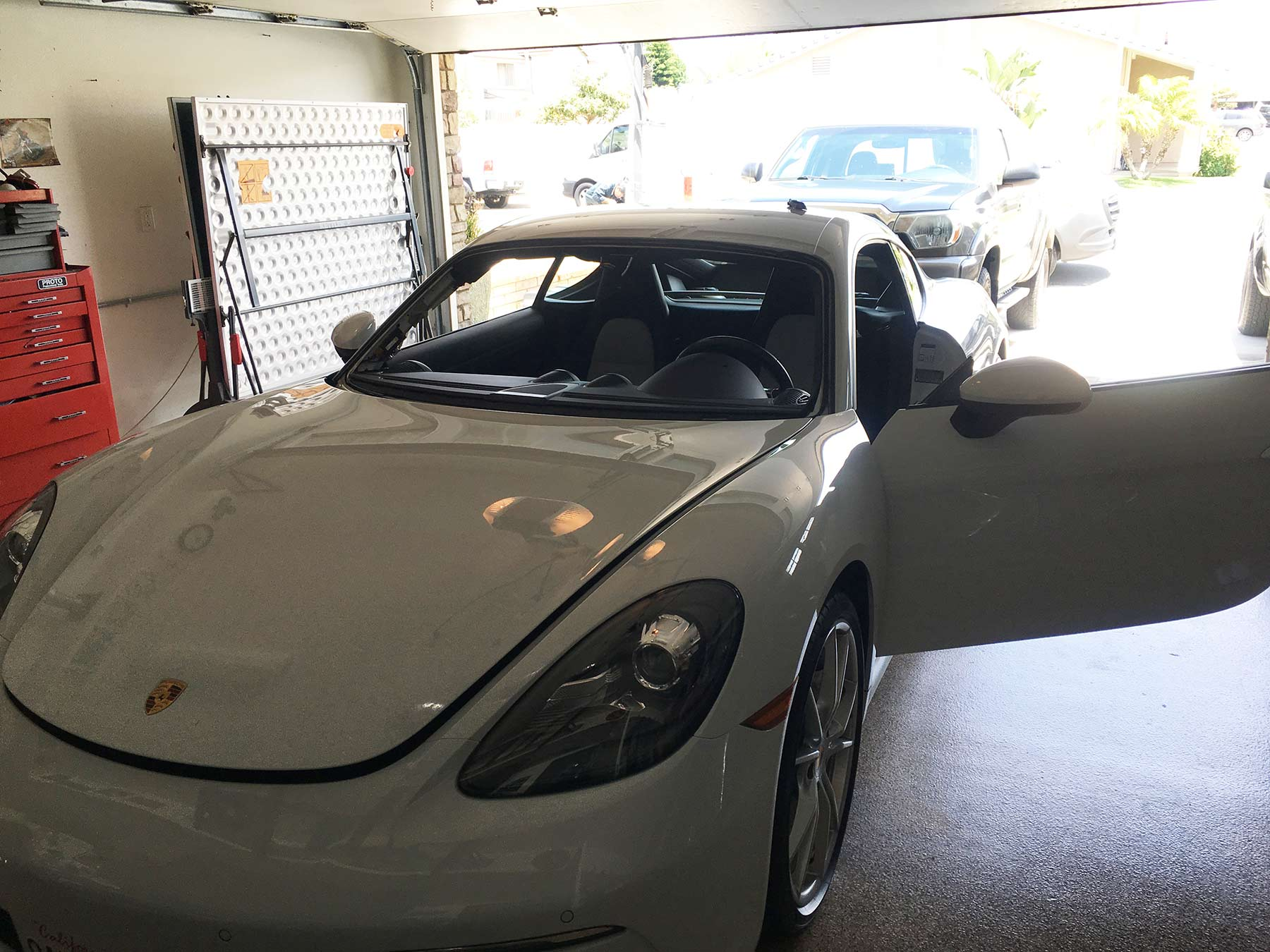 porsche windshield replacement