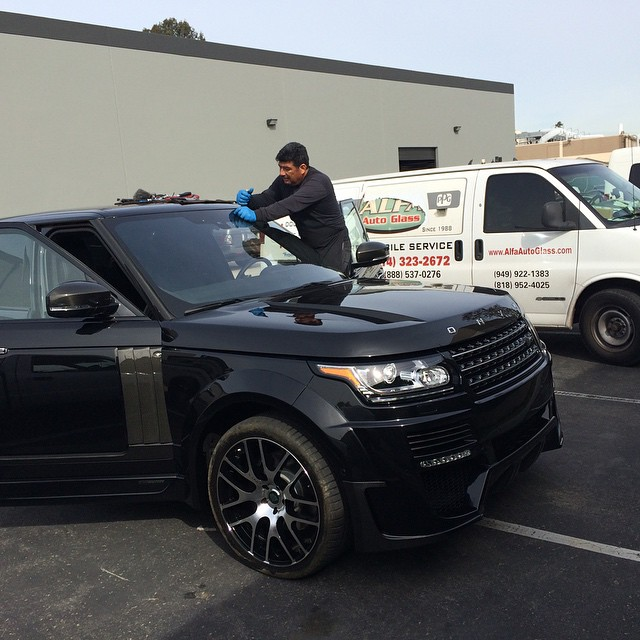range rover windshield replacement orange county
