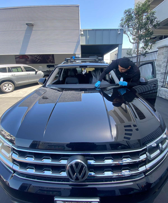volkswagen tiguan windshield replacement