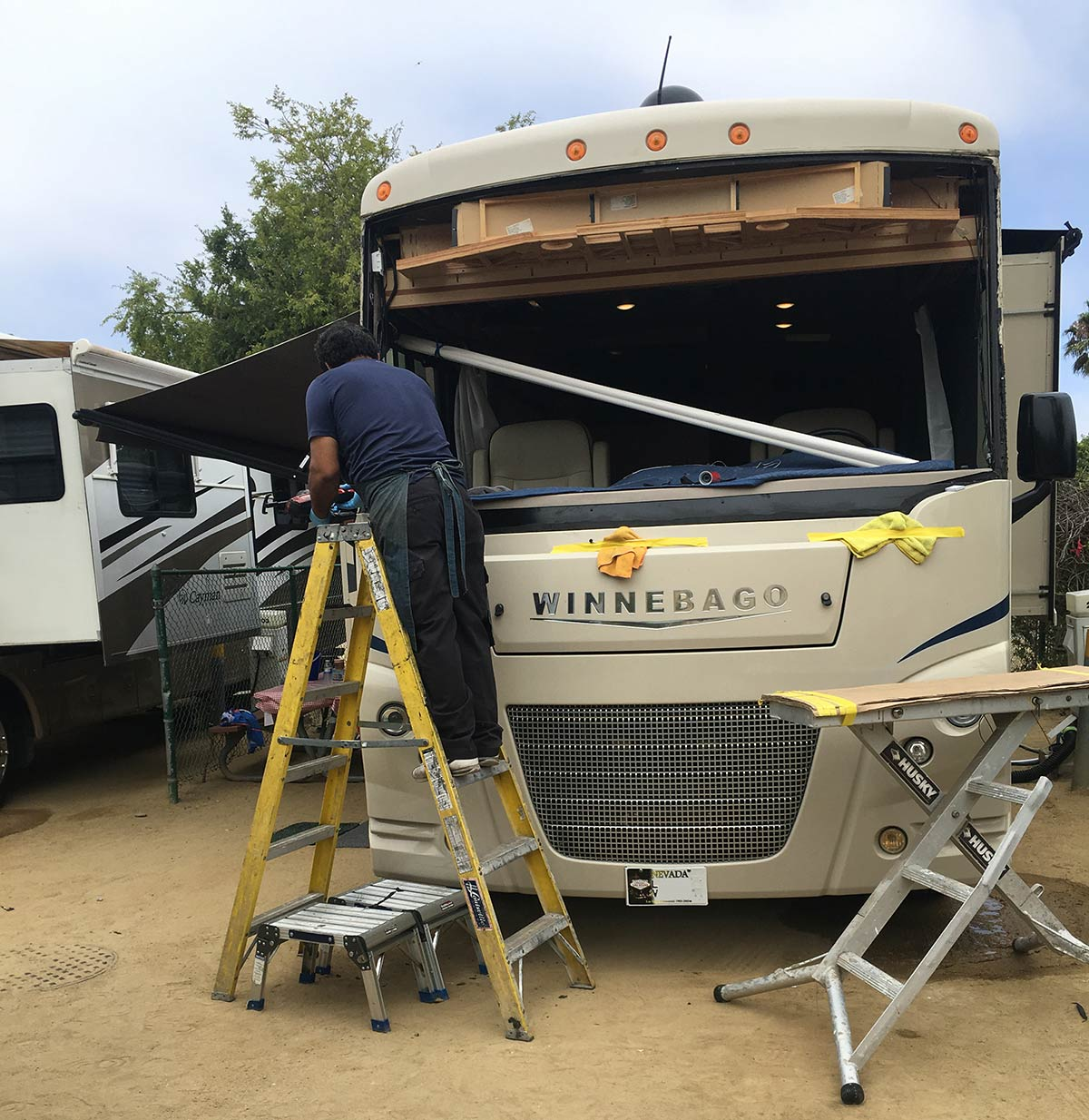 winnebago rv windshield replacement